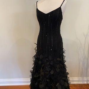 Melanie Lyne BAnites evening gown size 6